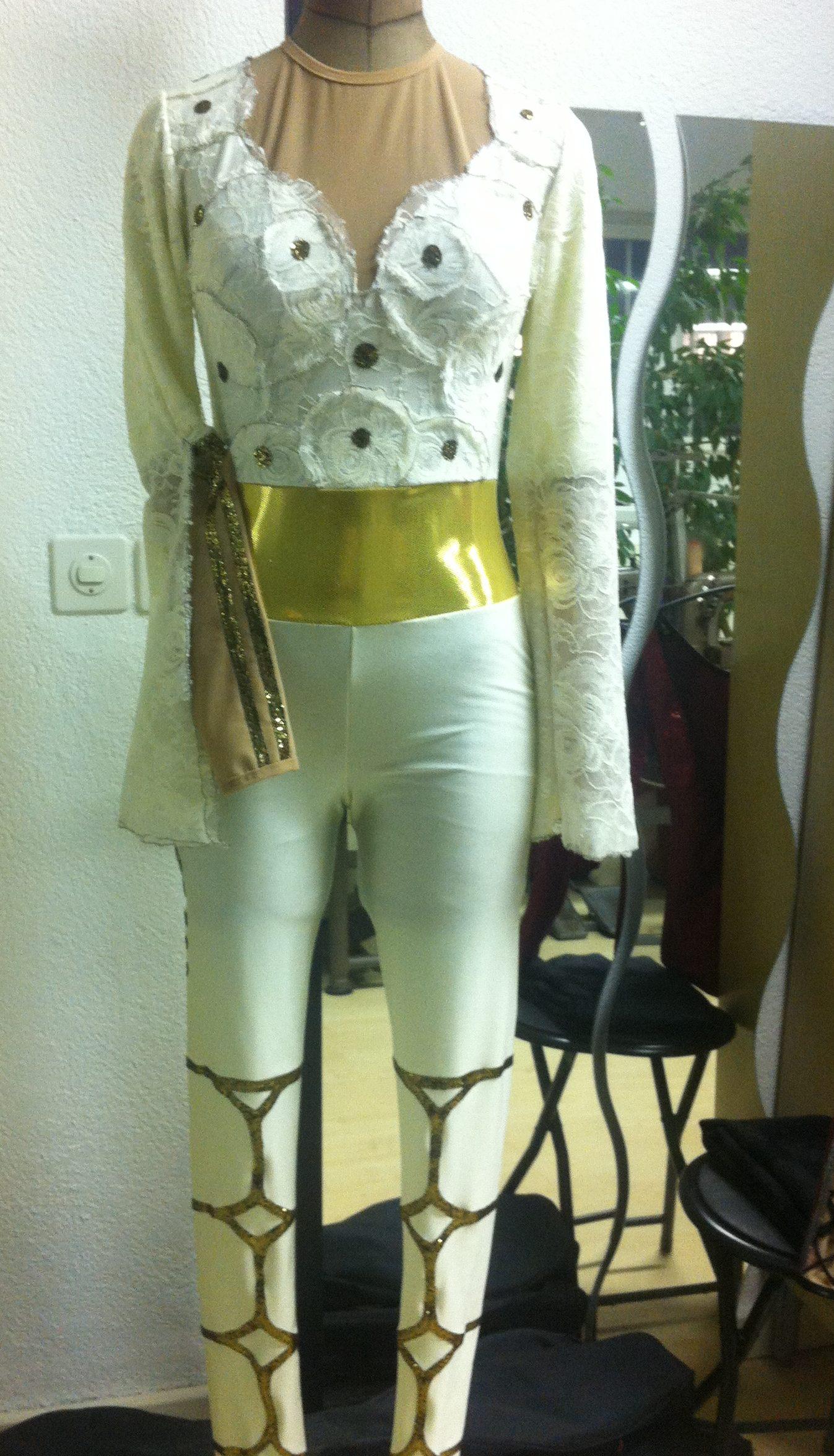 voltigier Anzug Front Ansicht von Cony's Dance Design